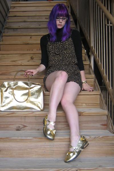 gold Antaina flats - gold Michael Kors bag