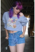heather gray flower cropped Goodwill sweater - turquoise blue Goodwill shorts