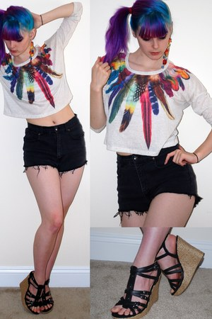 ivory rainbow feather Forever 21 top - black cutoffs Levis shorts
