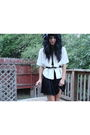 Black-f21-dress-white-idk-blazer-gold-deena-and-ozzy-belt-silver-f21-neckl