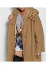 Camel-thrifted-vintage-coat-camel-vintage-coat-silver-vintage-bag