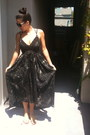 Black-funktional-dress-black-cat-eye-retro-sunglasses-yellow-bc-shoes-sandal