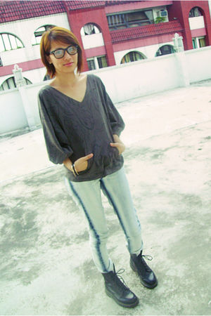 Bazaar glasses - Bazaar bracelet - Diesel top - bench jeans - Dr Martens shoes