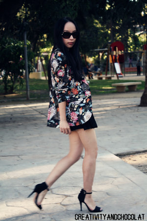 Zara blazer - Zara shorts - Zara sandals - loewe glasses