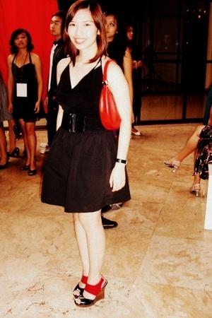 Sinequanone top - SM belt - urbanjuncturemultiplycom skirt - Mango purse - Paris