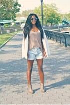 Levis shorts - H&M top