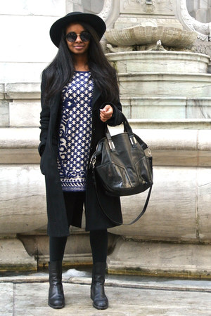 Choies dress - BCBG coat - Urban Outfitters bag