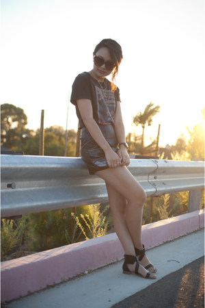 black Target sandals - black Forever 21 shorts