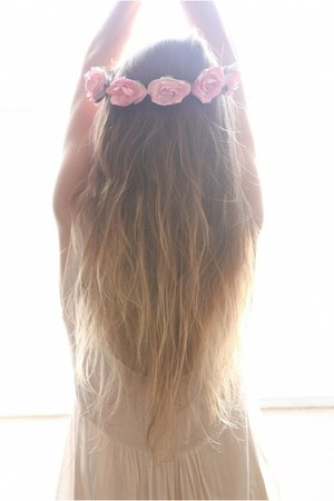 floral hair accessory - white dress