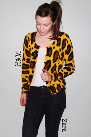 H&M cardigan - Zara jeans