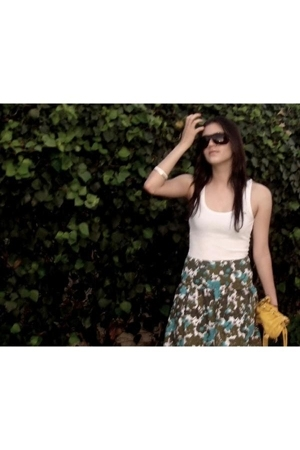 abercrombie and fitch top - volcom skirt