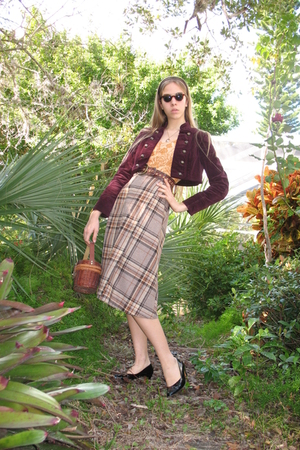 black shoes - brown vintage skirt - brown purse - brown belt - orange shirt - re