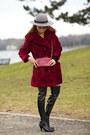 Black-boots-crimson-coat-charcoal-gray-hat-crimson-bag