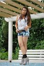 Blue-levis-tie-dyed-shorts-white-forever-21-top-silver-michael-kors-belt-s