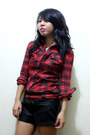 Red-plaid-thrifted-shirt-black-thrifted-shoes