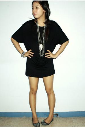 black dress - silver shoes - accessories