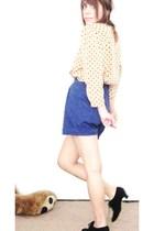 black vintage shoes - blue vintage shorts - beige vintage blouse