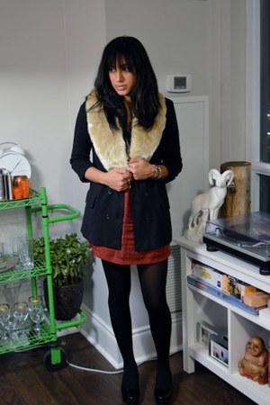 faux fur wilfred scarf - Club Monaco blazer - silk Club Monaco skirt