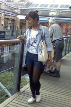 Topshop shirt - H&M t-shirt - Newlook shorts - Miss Selfridges necklace - River
