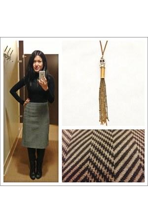 Sweet 1985 necklace - Pour La Victoire boots - chevron print Celine skirt