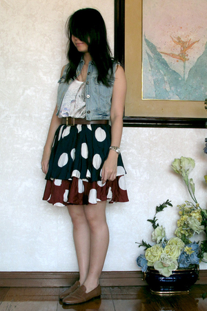 brown loafers shoes - blue vintage skirt - brown vintage belt - white Zara top
