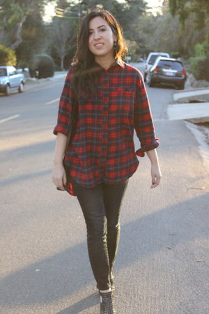 brick red flannel BDG shirt - black boots - blue madewell jeans