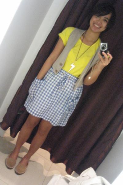 SM shirt - mexxe vest - shoes - necklace - Zara jeans