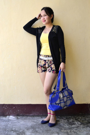 burnt orange shorts - yellow shirt - blue Nine West bag - white SM belt