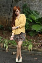 mustard blouse - gold Trunk Show shoes - floral skirt