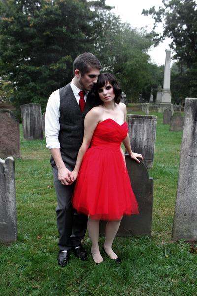 black Mudd heels - red tulle Masquerade dress