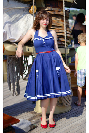 red Dana Buchman pumps - navy sailor hell bunny dress - red Forever 21 belt