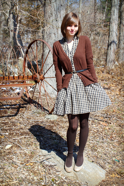 gingham H&M dress - Delias sweater - Simply Vera by Vera Wang tights