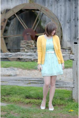light yellow thrifted croft & barrow sweater