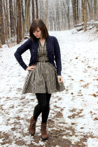 tan gingham H&M dress - brown thrifted Rockport boots