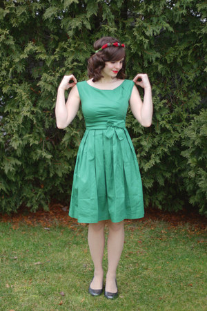 green Lindy Bop dress - neutral Hanes tights - silver Aerosole heels