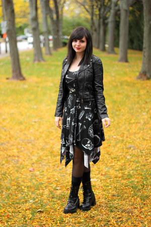 black combat Rave boots - black skeleton print Hot Topic dress