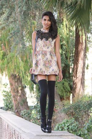 e023ac43dc9c cream floral OASAP dress - black leather Marc Jacobs heels