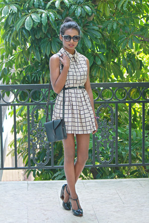 eggshell grid tuolomee dress - black t-strap Marc Jacobs heels