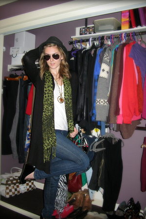 black Aldo shoes - green Portabello Market scarf - black H&M cardigan - white Am