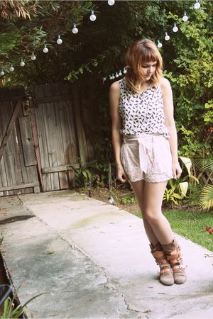beige H&M shorts - white horse print top - brown vivienne westwood boots