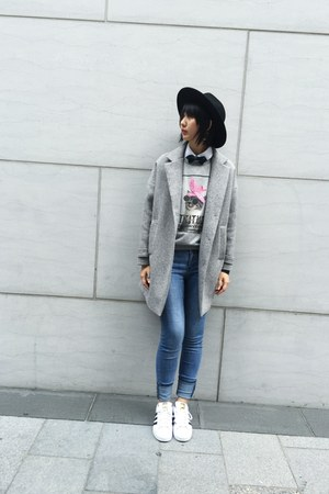 33 Field Trip jacket - Zara sweater - Adidas sneakers