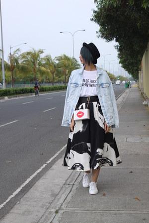 Jaspal skirt - H&M hat - Zara jacket - Puma sneakers