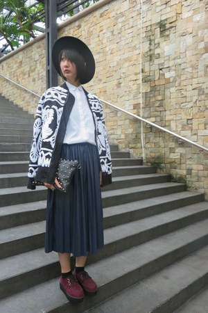 random from Hong Kong shoes - H&M hat - Zara shirt - 33 Field Trip skirt