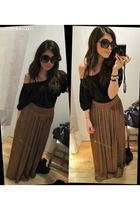 Zara skirt - Prada sunglasses