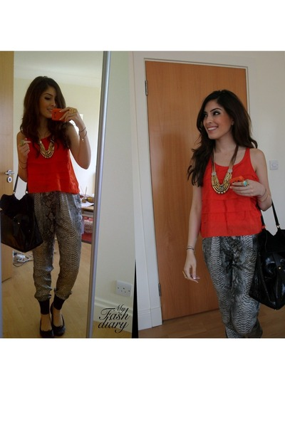 YSL Muse Two Bags, Stella McCartney Pants, Zara Tops, Verycouk ...