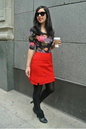 red thrifted vintage skirt - black calvin klein boots