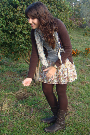 brown Zara jacket - brown Datelli boots - brown tights - gray Zara t-shirt