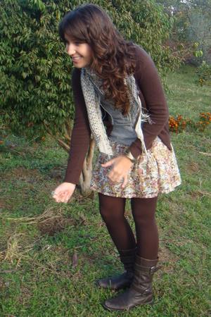 brown Zara jacket - brown Datelli boots - brown tights - gray Zara t-shirt