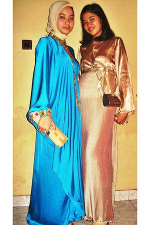 blue DIY dress - gold Steve Madden shoes