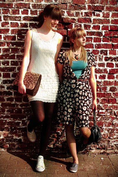 ivory dress - brown leopard print bag - ivory Converse sneakers
